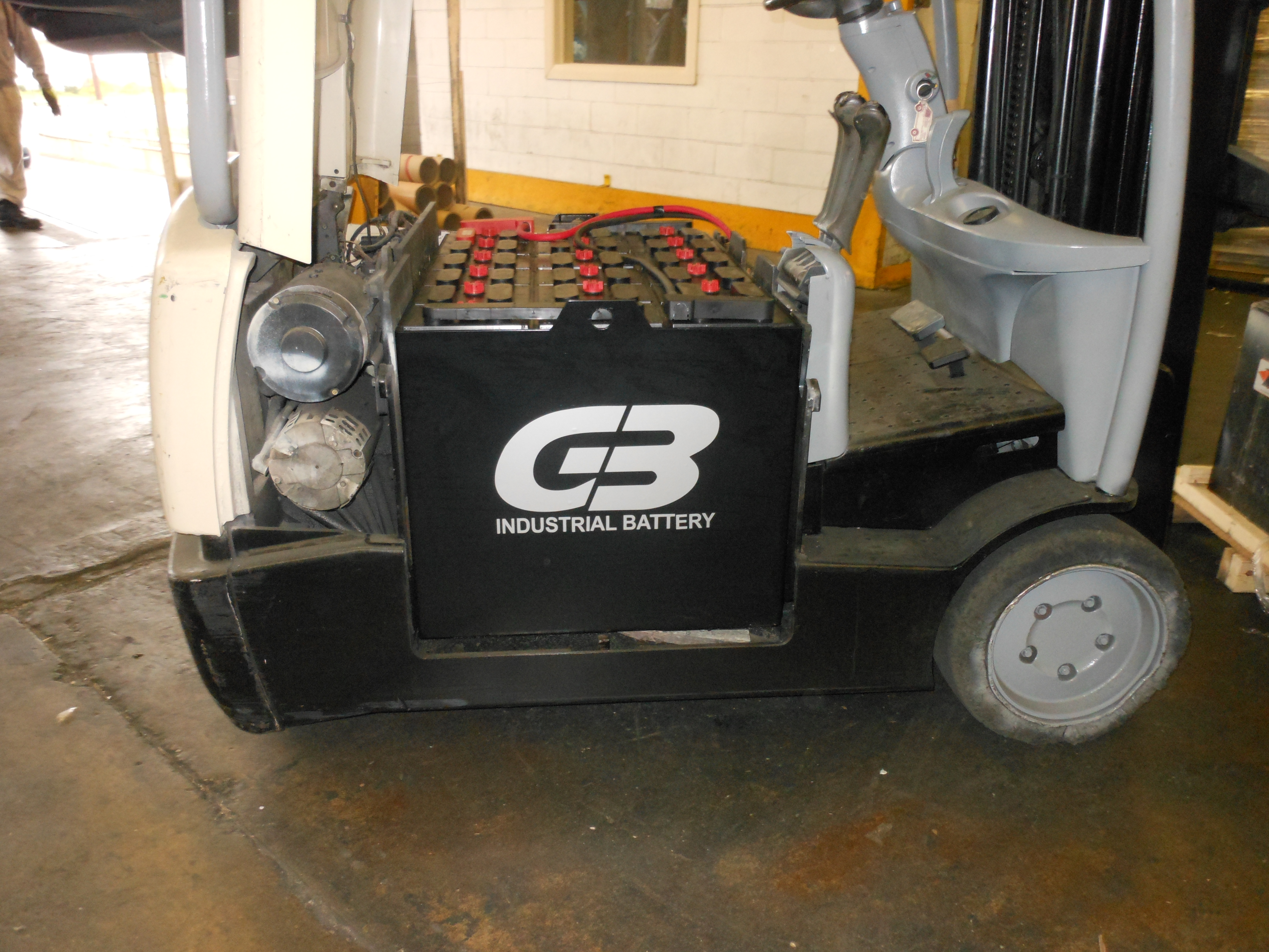Crown forklift battery 36v forklift battery price list new & reconditioned lift truck  at gsmportal.co